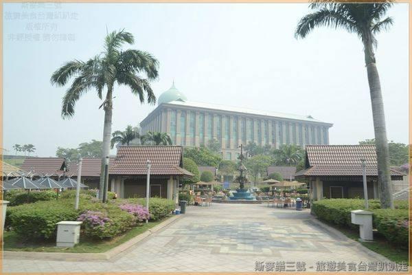 [馬來西亞] 第三天(水上粉紅清真寺、太子城、印度拉茶、國家皇宮、雙子星、KLCC海洋生物館、VIVATEL精品酒店) 20130723