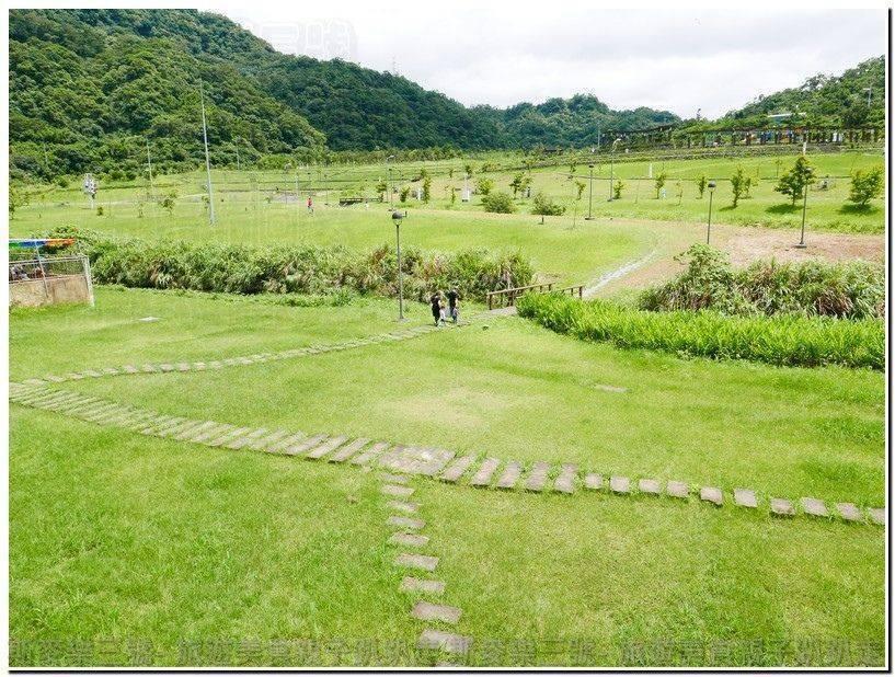 [台北南港] 南港山水綠生態公園 沙坑溜滑梯野餐 免費景點 20170529